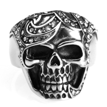 Fashion Accessories skull rings with small crystal