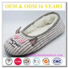 Trendy anti slip animal cartoon slippers for female