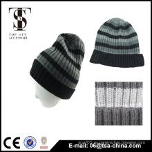 El sombrero de la gorrita tejida de la raya de los hombres de acrílico del diseño de Classcal