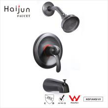 Haijun Favorable Price cUpc Bathtub Torneiras de chuveiro com único punho montado na parede