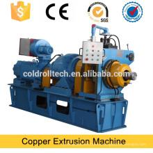 Máquina de extrusión rotativa continua para alambre plano de cobre