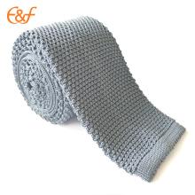 Cravate uniforme de cou d'école tricotée adaptée aux besoins du client pour des garçons