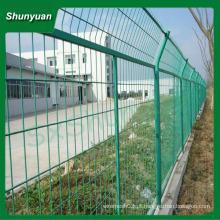 Emoldurado cerca de malha de arame / pvc rede de vedação revestido a partir de China