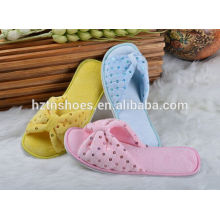 Custom colors indoor slipper with sequin women winter shoes 2016 slip on house shoes