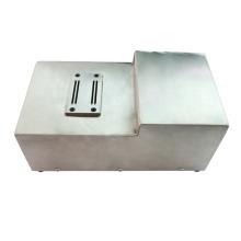 Schneid- und Umformmaschine für pneumatische Komponenten mit Pedal