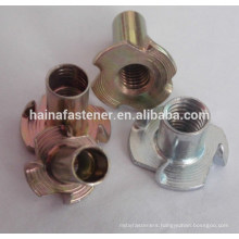Stock Carbon Steel Zinc Plated Four Claw Nuts/ Tee Nuts