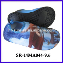Zapatos de la acuarela de la historieta de los zapatos de la aguamarina de la manera los últimos nuevos zapatos del agua de los zapatos del aqua