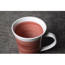 Nueva taza de cerámica de la llegada 2016 con el borde y la manija blancos