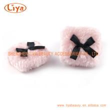 Розовый плюш косметической слоеного нестандартного размера и логотип