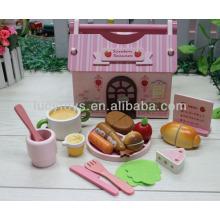 Juguete de comida rápida embalado en casa de madera