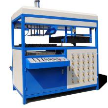 Einzelarbeitsplatz der Vakuumformmaschine