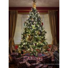 Arbres de Noël artificiels pour la décoration