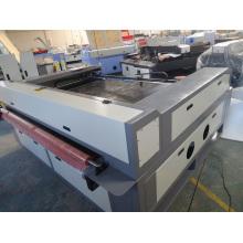 Machine de coupe textile avec machine à couper laser Tzjd-1813D à alimentation automatique