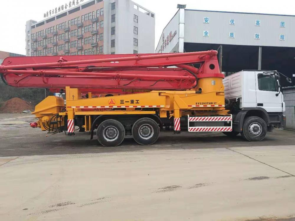 Used Concrete Pump Truck 04