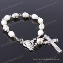 Mãe bonita bonita das contas de vidro e do bracelete transversal do rosário