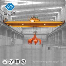 Matériaux en vrac manipulant la grue de pont de grue de pont de grue