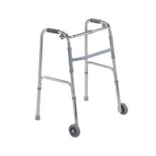 Marcheur médical âgé d'utilisation d'hôpital