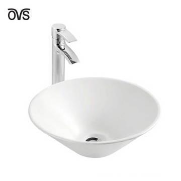 Lavabo de cerámica redondo del diseño del cuarto de baño en fregadero del cuarto de baño