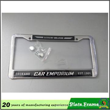 Moldura de placa de carro personalizada com logotipo em relevo