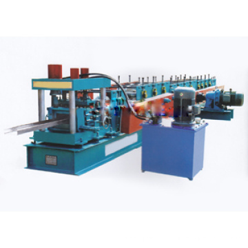 Machine de formage de rouleaux de tôle de toiture à canal C de haute qualité