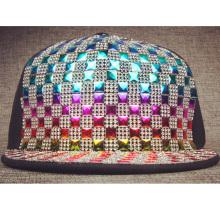 Chapéus de snapback de malha de couro falso acolchoado