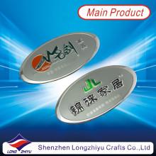 Placa de metal grabada en relieve plata de encargo del logotipo de la placa de aluminio ovalada