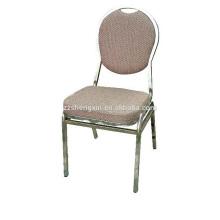 Chaise de restaurant à dossier en métal avec coussin à vendre