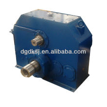 Gear box with double shaft