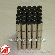 magnetische Vorhängeschloss / Magnet button für Ledertaschen / Runde weiße Magnete