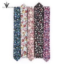 Algodón con hermosa flor diseño personalizado corbata