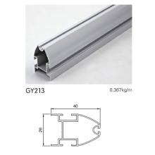Kleiderschrank Aluminiumprofil in eloxiertem Silber