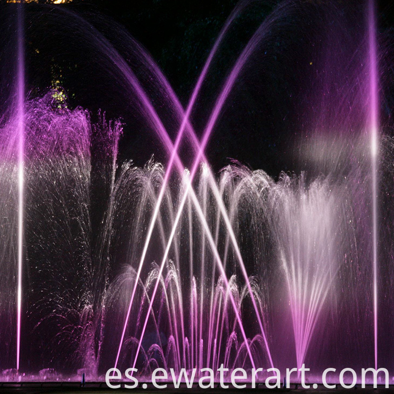 large outdoor water fountains