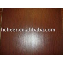 Ламинированный паркет с тиснением на поверхности / темно-коричневый ламинированный пол