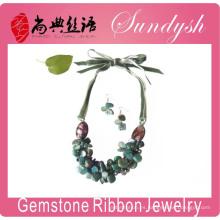 Collar de piedra verde Collar de cinta de piedra preciosa hecha a mano Collares de piedra verde