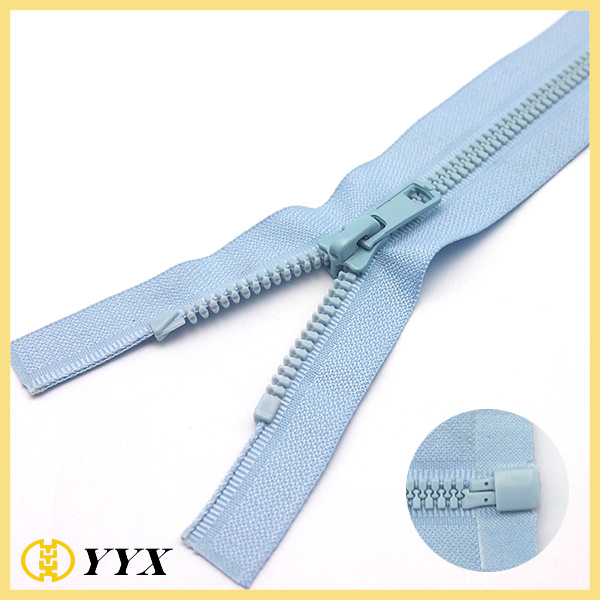 No8 plastic resin zipper