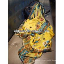 Мода изящная девушка индийская шелковая шаль