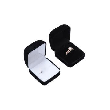 Ausgefallene Ringkette kleine Luxusschmuck Geschenkbox