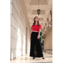 Блузка красного цвета с коротким рукавом