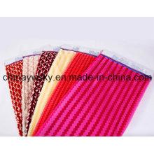 Tissu de peluche de peluche de PV balayé par polaire de polyester de PV pour le vêtement, lit de minion de peluche