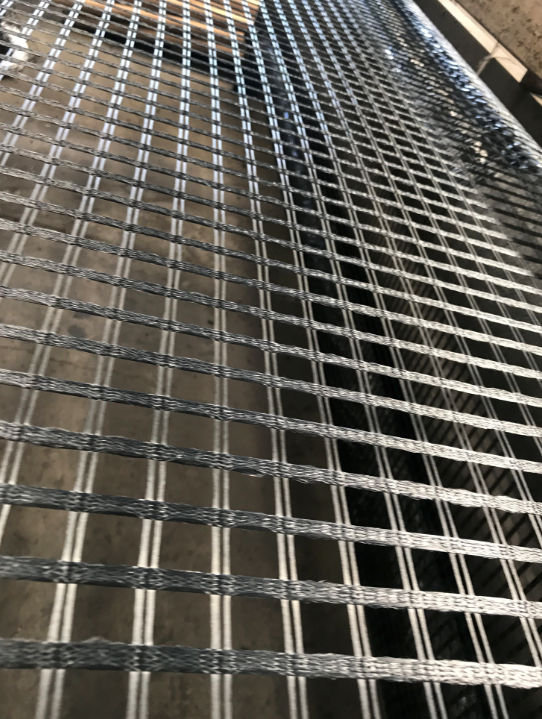 100 / 100KN Biaxial Polyester Geogrid