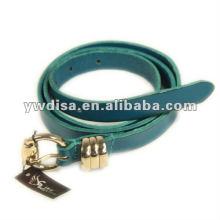 Cinturão de couro liso azul para a mulher