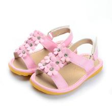 Solide rosa kleine Blumen Baby quietschende Sandalen mit glänzenden Steinen