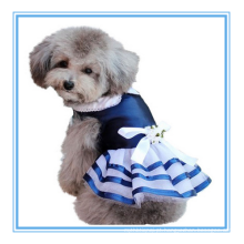 O roupa bonito do cão veste o bailado o mais bonito do laço do laço da bailarina saia do animal de estimação