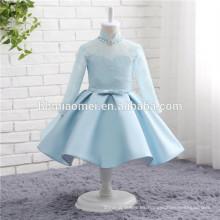 2017 muchachas del bebé traje azul traje de manga larga cuello alto azul satinado vestido de novia para niña de las flores