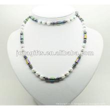 Habillage de hématite de mode avec des perles d'arc-en-ciel