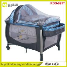 Venda Por Atacado NEW Baby Play yard Fabricante NOVO Design Playpen com Canopy / mosquiteiro / prateleira de armazenamento / trocador de fraldas