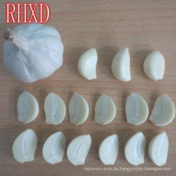 Reines Weiß und normaler weißer Knoblauch