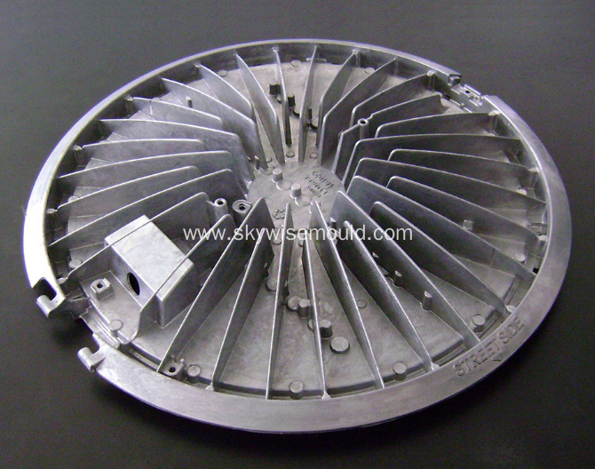 Die casting mold for car heat sink