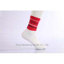 Calcetines de deporte de moda de diseño de moda de los hombres