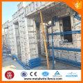 Plantilla de encofrado metálico usado para la construcción